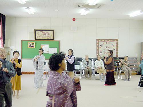 青島荘の舞踊クラブ